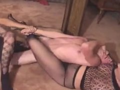 2 Girl Wrestling And Bust A Guy