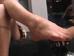Nylon foot show 1