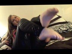 Vikky Foot Tease
