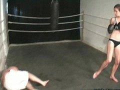 GF Alicia VS Guy In The Ring