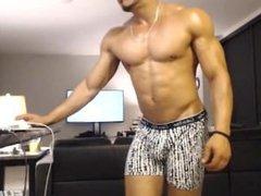 Damian Bran muscle