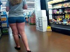 Pawg ass stuffed in short shorts