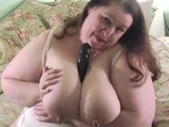 Big Beautiful Mom Show Her Massive Ass And Boobs To You