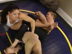 mixed wrestling 2v1