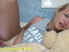 Cute Blonde Teen Fucks Herself with Ohmibod