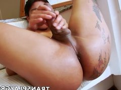 Fabulous Latina tranny knows how to bring herself to climax