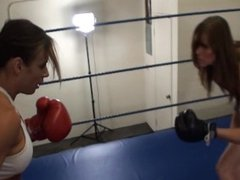Jennifer vs Veronika boxing