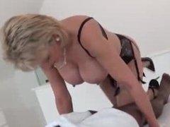 LADY SONIA Milks black Cock