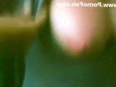 Dos primas argentinas peteando juntas