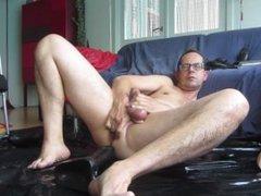 Cum with a huge dildo