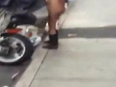 Dominicana Caminando desnuda en la calle de Nueva York