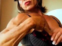 huge titties and huge muscles