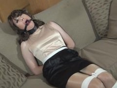 Vivian Chen ring gagged
