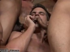 Male bodybuilder handjob cumshots compilation and amatuer bi gloryhole