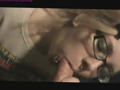 DearSX.com - Gamer girl gives blowjob with facial
