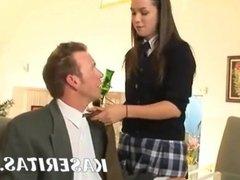 Profesor follando a su alumna para aprobarla en sus cursos
