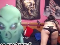 Cosplay Couple Roleplay Aliens on Webcam - crankcams.com