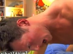 Gay porn with small sexy men The scene begins off with Skylar Prince
