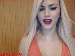 hot blond babe with a perfect body on webcam she is so cute