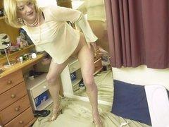 Sissy Crossdresser pantyhose and dildo