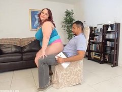 Big Booty Plumper Twerks for her new Daddy