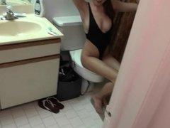 GF Revenge - Couple has some bathroom fun