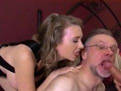pegging bi cuckold tranny all hot
