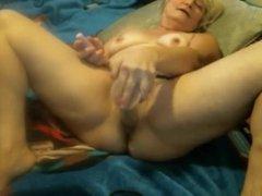 Granny on a cam R20