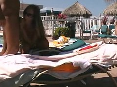 1fuckdatecom Blowjob and fuck in public pool