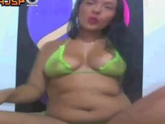 Beautiful Girl show her bob on webcam