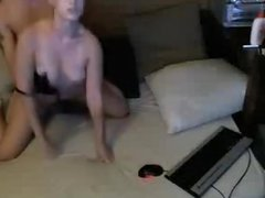 WEB CAM DOGIE STYLE AND SPREAD OUT  FUCKING