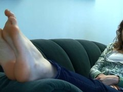 BARE FOOT & Avontade Blonde on sofa