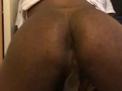 Huge Black Booty Shaking