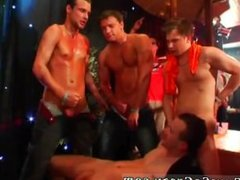 Groups of males naked for body massage gay [guyssocrazy.com] All supreme
