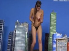Giantess & The City