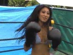 Boxing Nicole Oring