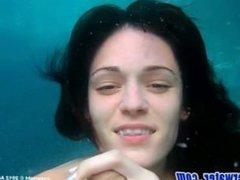 Monica Sexxxton - Underwater cumshot