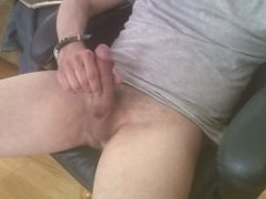 Solo wanker wanks and cums