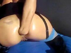 720camscom Bitch fists anal on webcam