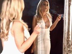Smoking blonde - 4