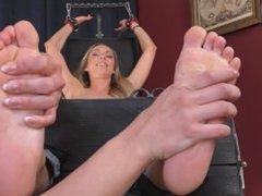 Hardcore foot tickled (tickle czech)