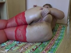 Irina bbw fucks her big ass hand!