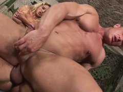 Blonde enjoys havin a cock in her mouth and a huge one in her pussy