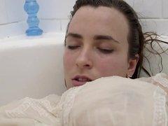 BBW Solo fun in the Bathtub