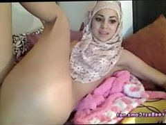 Arab Egyptian Muslim In Hijab Squirting On Webcam