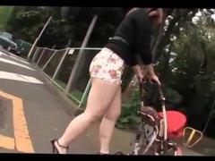 Sexy legs Japanese slut mom in miniskirt