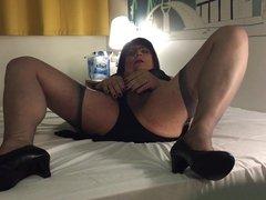 Martina beim Wixen im Hotel