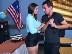 Brazzers - Sexy milf Brooklyn Chase teaches