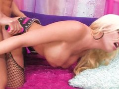 Busty blonde Britney Amber gets her pussy pounded