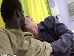 Negro Bugarron Le Rompe El Culo A Un Blanquito Maricon